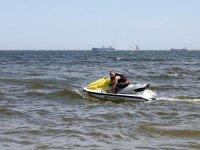 Ajustando la moto nautica