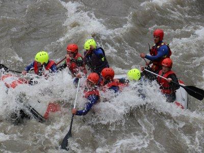 Rafting en El Pont de Suert con menú y 2 noches