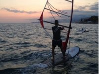 hombre windsurf