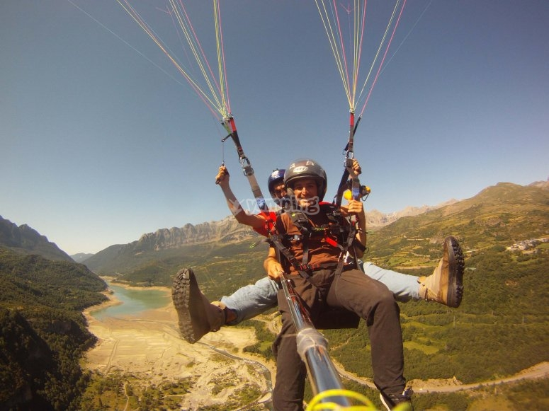 Flying in the Tena Valley