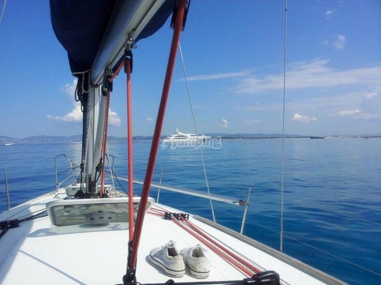 a bordo del velero en alicante