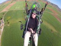 Tandem paramotor flight