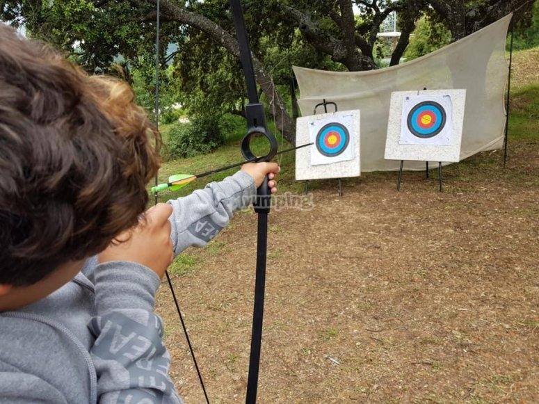 Tiro con l'arco per bambini