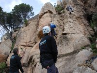 Escalando en pared natural