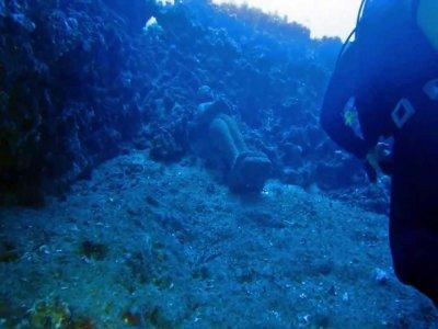 Inmersión de buceo La Catedral, Cala Portinatx, 2h