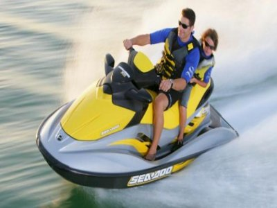 Excursión en moto de agua, Cala Jondal, 2h