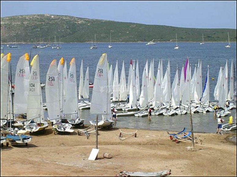 veleros en la costa de fornells