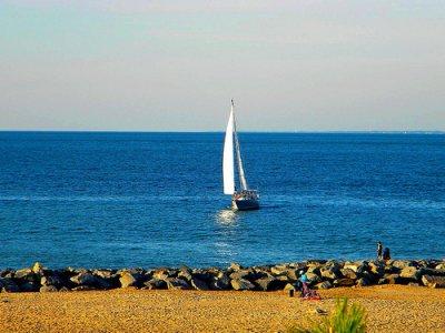 在梅诺卡岛的帆船全天游览