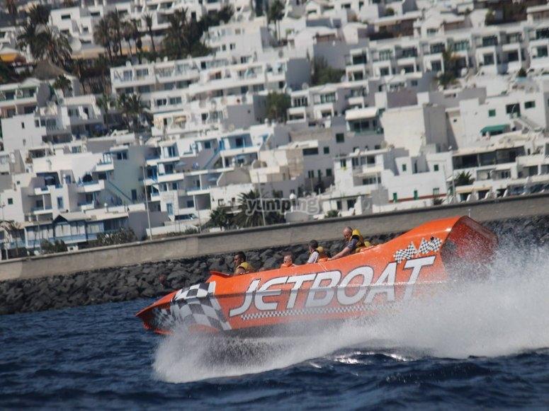 A toda velocidad en jetboat
