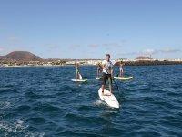 Las aguas de Fuerteventura son perfectas para la práctica de paddle surf.