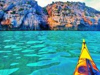 Excursión en kayak aguas turquesa Pollença
