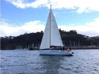 Ride in a sailing boat Cíes islands 8hrs