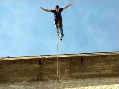 Bungee jumping, addio speciale al ponte Taboada