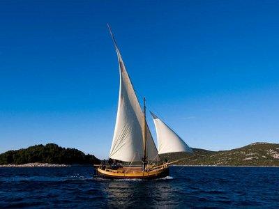 Día completo en velero en Menorca, niños