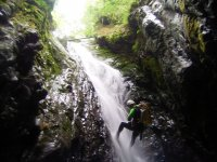 在Almanchares溪降,1天