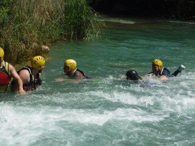 Descenso Cabriel, supervivencia acuática, vivac