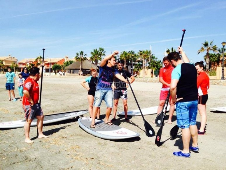 Stand up paddle surfing class
