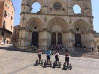 Familia frente a la catedral