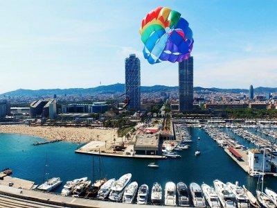Parasailing a Port Olímpic de Barcelona 15 min