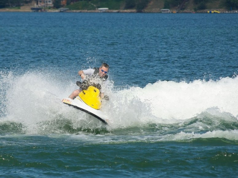 Disfrutando de las motos de agua en tarragona