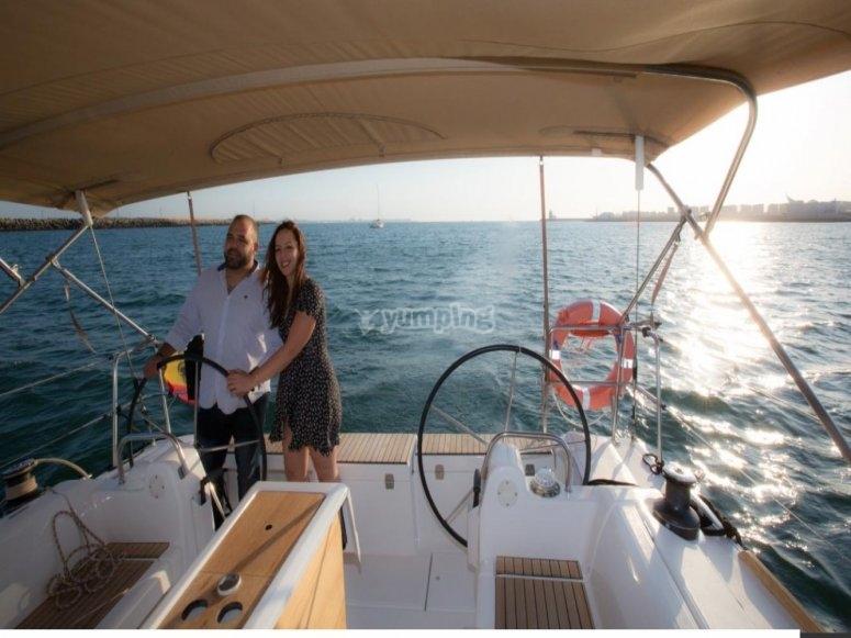 Experiencia de patrón de barco en Cádiz