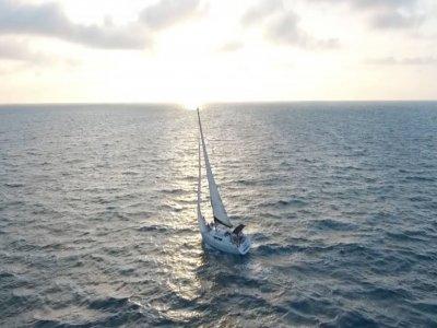 Paseo barco al atardecer en la Bahía de Cadiz 3h