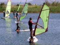 Escuela de windsurf para los futuros surferos