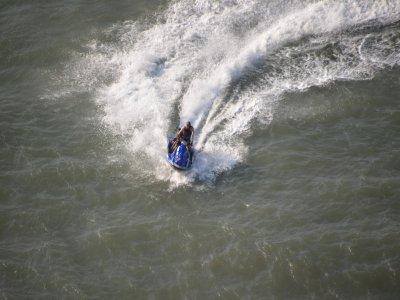 在Cambrils的水上摩托车游览20分钟