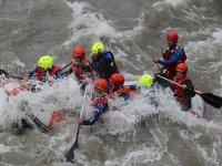 Rafting en las aguas bravas