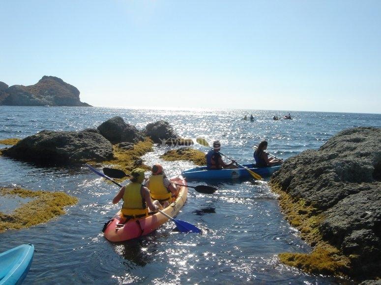 En el agua con el kayak