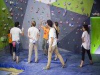 Sessione di arrampicata indoor