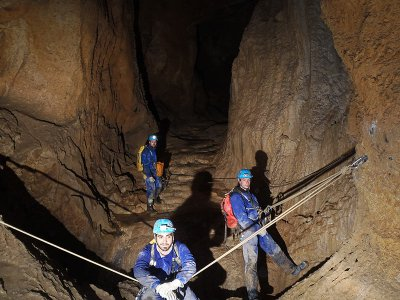 Caving on Cueva Fresca and pictures for beginners