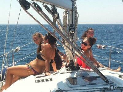 在Marina del Este的6小时帆船之旅