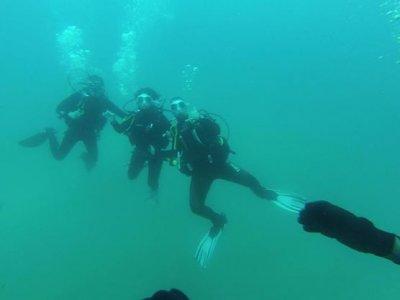 在卡塔赫纳双重潜水