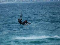 在水中放风筝