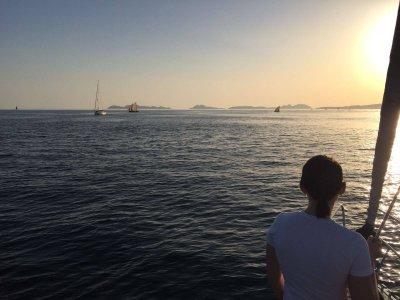 Bluscus Turismo Marinero Paseos en Barco
