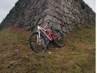 bicicleta en castillo