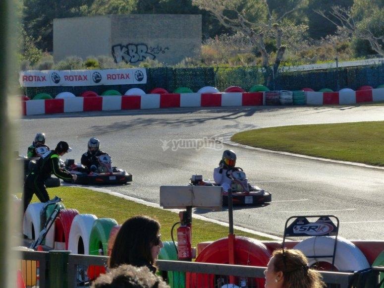 Karting para grupos con superkarts Oropesa