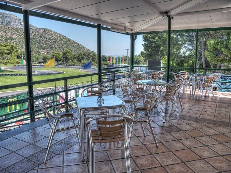 Cafetería con vistas al circuito