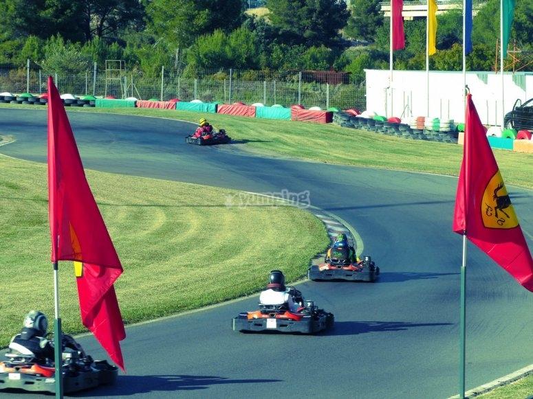 Competición de karts para empresas Oropesa