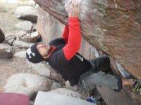 Sujeto a la roca