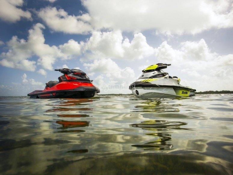 Nuestras jets ski en el mar