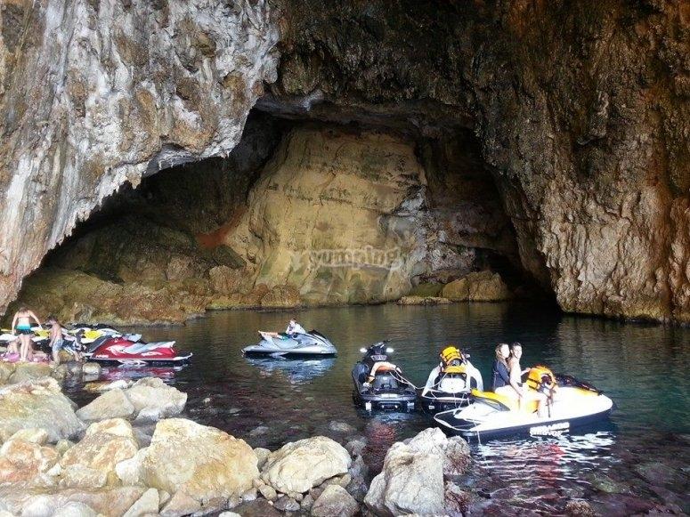 visitando cuevas
