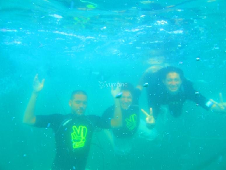 Snorkeling a Noja