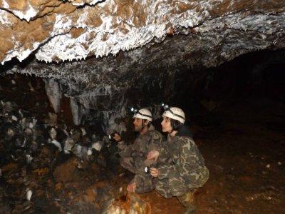 Espeleología Cueva de Pechón