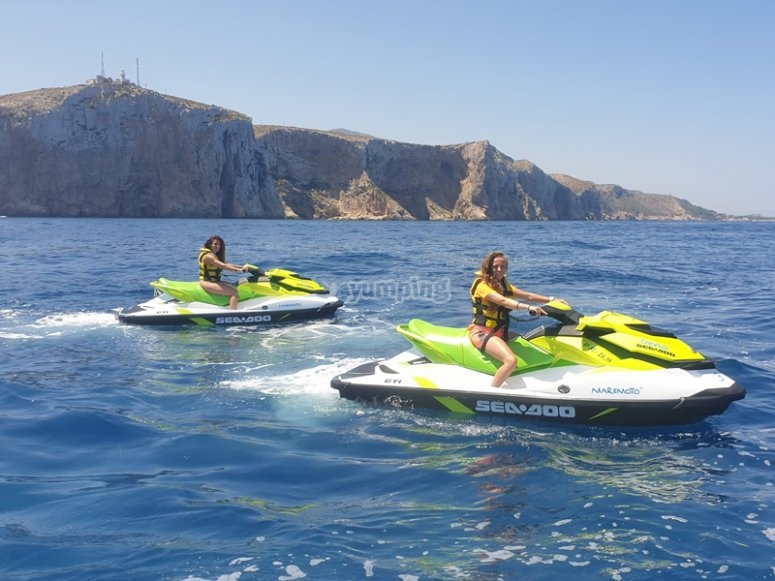 Conociendo Cabo Roig en moto de agua