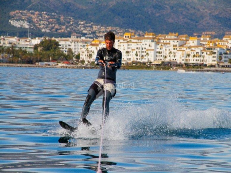 Prueba el esquí acuático