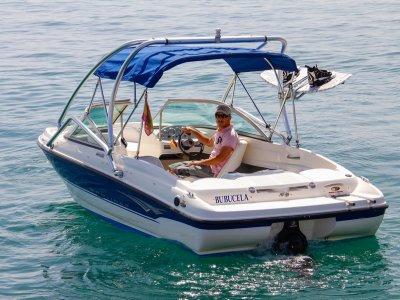 Alquiler de barco con patrón en Marbella, 1 hora
