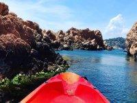 En kayak por los acantilados