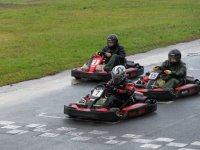 Pilotos de karting concentrados